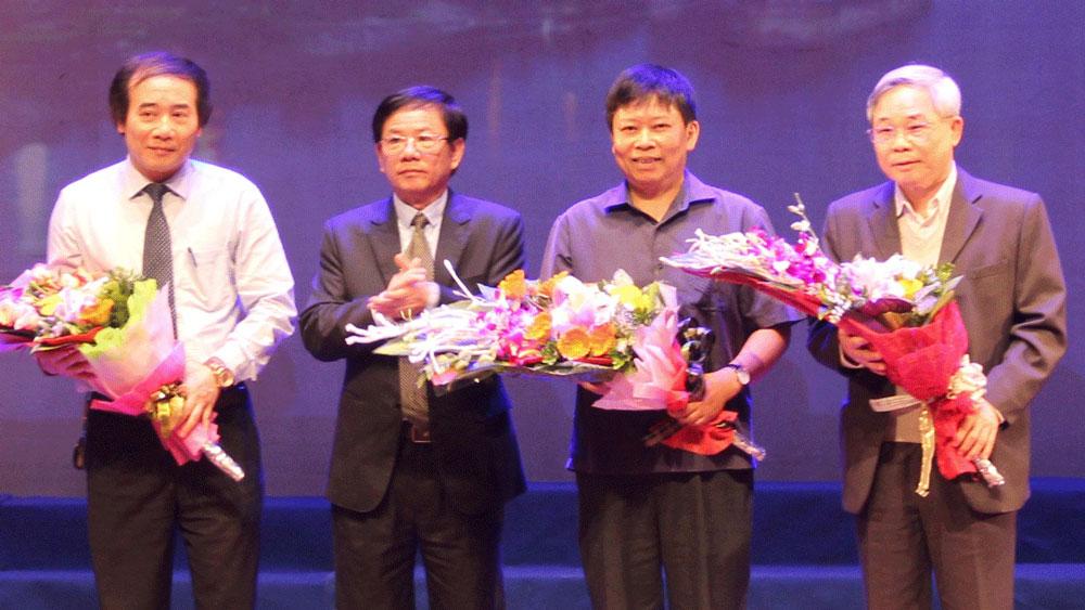 PGS.TS, bác sĩ cao cấp Nguyễn Văn Chi: Không ngừng trau dồi kiến thức giúp đỡ bệnh nhân